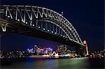 Vue de Sydney North Shore et Harbour Bridge illuminé la nuit