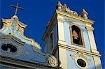 Salvador de Bahia, Brésil. Dans la vieille ville historique, un site du patrimoine mondial de l'UNESCO, le front façade et le clocher de l'église Igreja Nossa Senhora dos Rosários dos Pretos, Pelourinho.