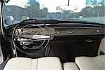 Intérieur d'une 1964 Chrysler Imperial LeBaron coupé