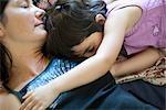 Mère et fille dort