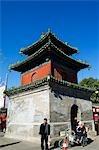 China, Peking, Donyue Tempel. Ein Pavillon im Stil Gateway.