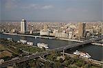 Restaurants flottants ligne Nil par l'île de Gezeira dans le centre-ville du Caire, Egypte