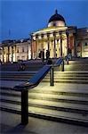 Les étapes de la National Gallery sur Trafalgar Square.