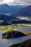 Nouvelle-Zélande, île du Sud. Vues du lac Wanaka (à 311 m de profondeur) de Mt Roy Peak.