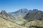 Oman, montagnes Hajar Western. À l'ouest de la zone côtière se trouve le plateau d'Oman central et les montagnes occidentales de Hajar Al (Al Hajar al Gharbi Mountains) dominé par le Jebel Akhdhar - la montagne-verte à 2980m.