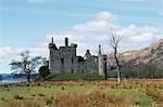 Construit au XVe siècle, le KilchurnCastle était un fief de Campbell sur les rives du Loch Awe. Il a été détruit par la foudre dans les années 1760 et est maintenant l'un des sites plus photogéniques d'arielle.