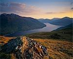 Loch Lyon et les collines de Argyll menant à Auch Glen.