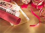 Ruban et papier d'emballage de Noël