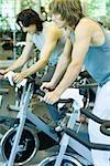 Hommes circonscription vélos d'intérieur