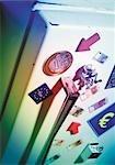 Symbole de l'euro et la monnaie, magnetts sur le réfrigérateur