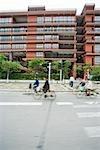 Cyclistes dans la rue, flou de mouvement