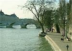 France, Paris, quay along River Seine