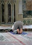 Israël, homme de prière dans la mosquée