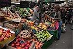 Stand de fruits au marché