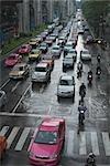 Trafic sur un jour de pluie à Bangkok, Thailand