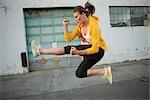 Femme pratiquant Martial Arts