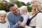 Famille avec plein air bébé