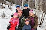 Porträt der Familie im Winter, Steamboat Springs, Colorado, USA