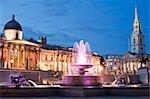 Le Musée des beaux-arts et St Martin-in-the-Fields, Trafalgar Square, Londres