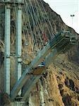 Travailleurs de la construction du nouveau pont barrage Hoover du côté Arizona
