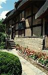Anne Hathaways Cottage, Stratford on Avon, England, 16th century. Home of William Shakespeare's wife until 1582.