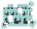 Jigsaw Puzzle von Geschäftsleuten, die auf Computern in einem Büro arbeiten