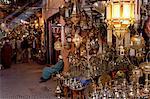 Les souks de la médina, Marrakech, Maroc, l'Afrique du Nord, l'Afrique