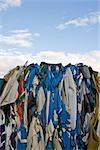 Stockage des balles de bâche PVC pour le recyclage