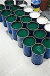 Tissu enduit plante, fûts métalliques contenant un plastifiant liquid utilisé pour les revêtements textiles