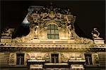 France, près de Paris, Musée du Louvre, de la façade