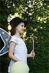Jeune fille en costume