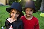 Enfants en costume, portrait