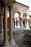 Cloître, monastère bénédictin, Monreale, Palerme, Sicile, Italie, Europe