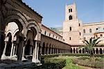 Cloître, monastère bénédictin, cathédrale, Monreale, Palerme, Sicile, Italie, Europe