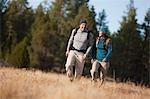 Paar Wandern nahe Deschutes River, Oregon, USA