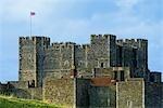En Angleterre, le château de Douvres.