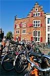 La Hollande septentrionale, Amsterdam, maison sur trois canaux
