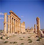 Tetrapylon gréco-romain colonnes rue principale, Ier siècle apr. J.-C., Palmyre, en Syrie, Moyen-Orient
