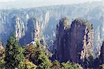 Formations rocheuses karstiques à Zhangjiajie Forest Park, Wulingyuan Scenic Area, patrimoine mondial de l'UNESCO, la Province du Hunan, Chine, Asie