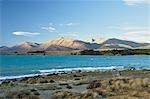 Lac Tekapo et les deux pouces gamme, Canterbury, South Island, Nouvelle-Zélande