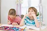 Kinder ihre Hausaufgaben
