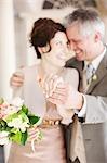 Reife Braut und Bräutigam Ringe anzeigen