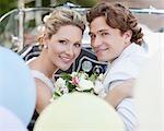 Mariée et le marié en Cabriolet