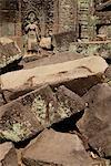 ruines d'Angkor Wat avec Pierre sculpture en arrière-plan