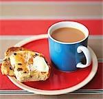Geröstete Teacake mit Tee (UK)