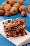 Barres de noix avec des paillettes colorées