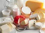 Nature morte avec lait et produits laitiers