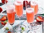 Rossini (vin pétillant cocktail) avec fraises