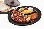 Fajita Garnele mit Begleitungen und tortillas