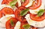 Tomates à la mozzarella et basilic (détail)